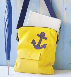 Große Tasche mit viel Platz für den LapTop - Schnittmuster und Nähanleitung via Makerist.de