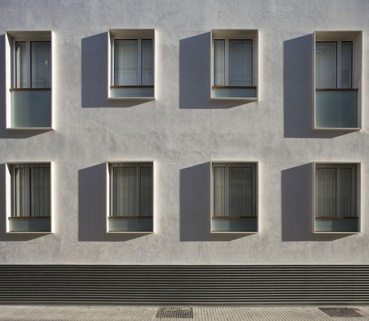 9 Dwellings in the Historic Center of Sanlucar de Barrameda / Suárez Corchete