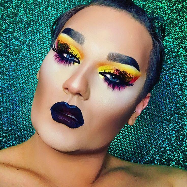 AmunaDavis Makeup . #dragqueen #makeup #face #makeupartist #repost  #lgbt #fashion #amunadavis #insta #instagood #eyes #nyxcosmetics #lips #jeffreestar #blogger