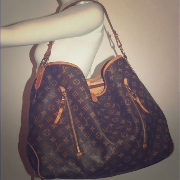 Authentic Louis Vuitton monogram Delightful GM Preowned and discontinued bag by Louis Vuitton. Louis Vuitton Bags