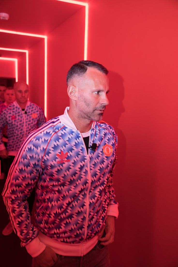 Ryan Giggs discusses having his son at United's Academy - Official Manchester United Website