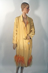 Feather-trimmed yellow coat. : 29 12 11 Mid 1920, 1920 Style, Archives 1920S, Mid 1920 Canary
