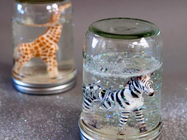 How to Make Glitter Snow Globes From Mason Jars Use