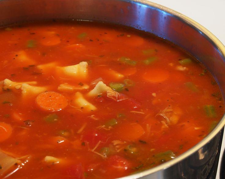 Soupe-repas aux légumes et à la volaille | .recettes.qc.ca