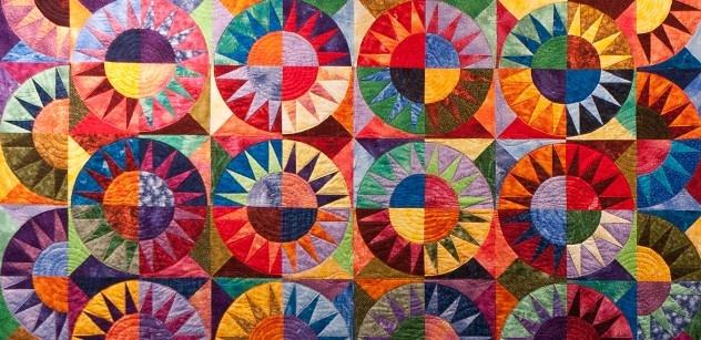 Grande rassegna ad Abilmente di Vicenza dedicato al patchwork... un effetto stroboscopico di colori e toni. bellissimo