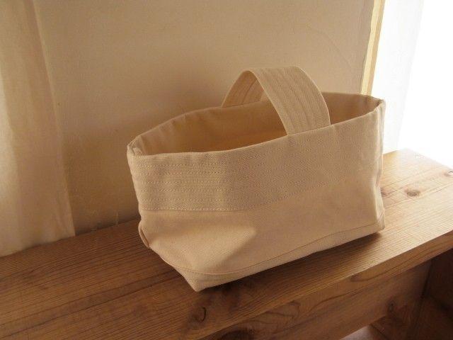 帆布バッグ[よこなが]生成り - idyll                                                                                                                                                                                 もっと見る