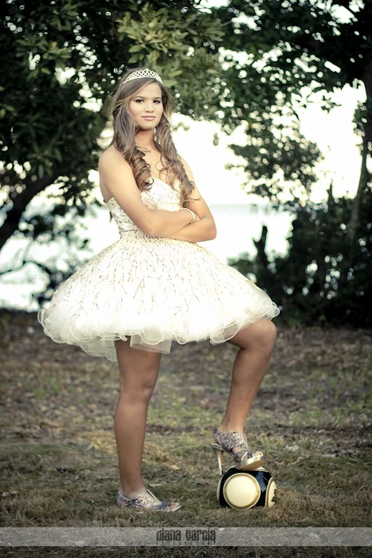 For the girls...sweet 16 photo idea or prom