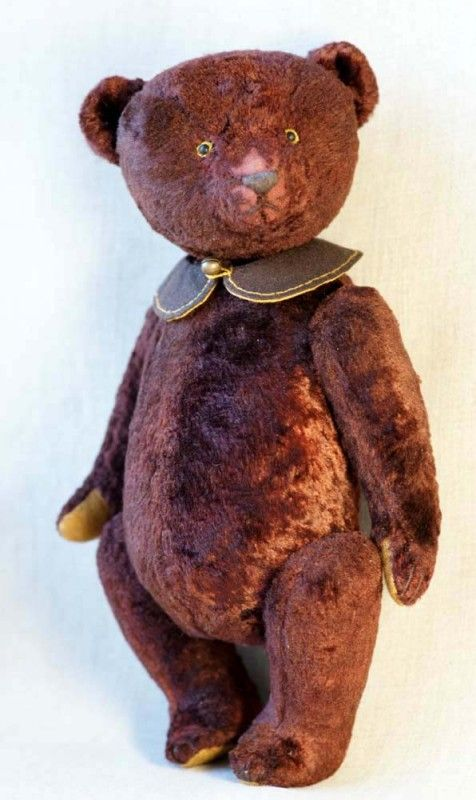 Old teddy bear by Hypatia. Vintage.