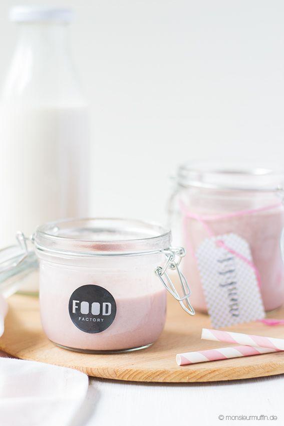 strawberry raspberry almond milk smoothie