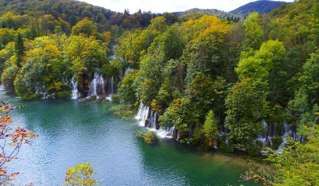 Horvátország szurdok túraút Plitvice vízesések