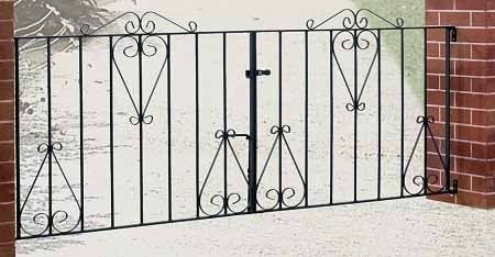 Classic Wrought Iron Style Metal Driveway Gates
