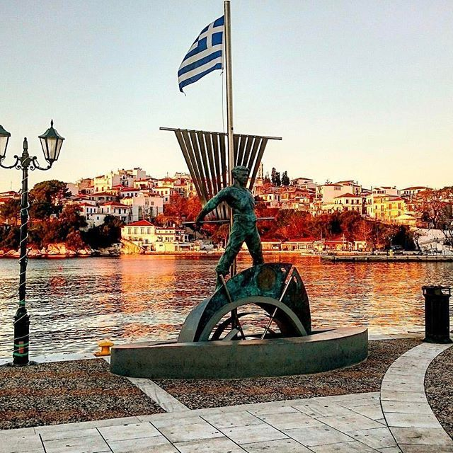 We love Skiathos town #Skiathos #skiathosrepost #greece #statue #memorial #seeyouthissummer https://instagram.com/p/BASaeDAw8tJ/