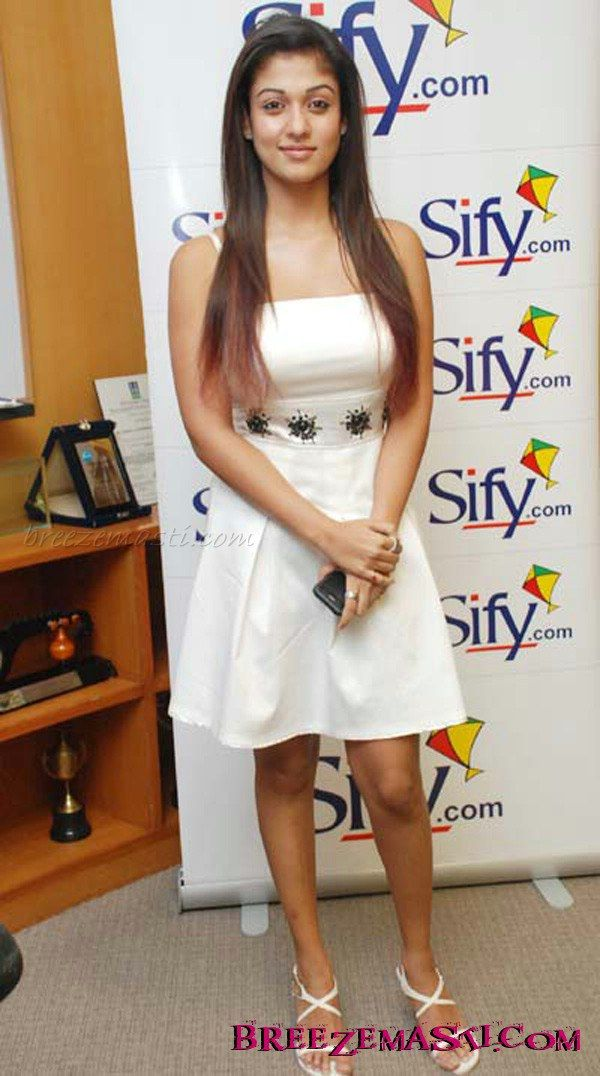 Nayanthara stills 245 - Bollywood Tamil Telugu Malayalam movies South actress Photos HD pictures gallery, Indian celebrities hd wallpapers, Image gallery - Breezemasti