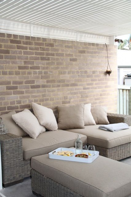 outdoor room - love bringing the outdoors in and the indoor out....linking, casual beach style