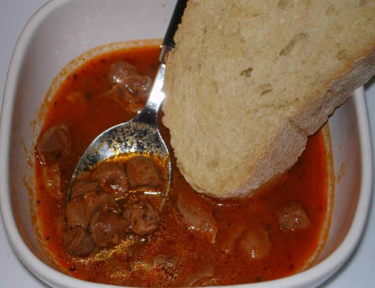 Sofrit, or Chicken Gizzards in Hot Pepper Sauce: use chicken gizzards only (or count for chicken hearts), assuming 4 T. olive oil = 2 tsp. oil per serving of 1/6 recipe, instead of tomato paste use double the amount of tomato sauce (and less water); use toasted lite bread to serve