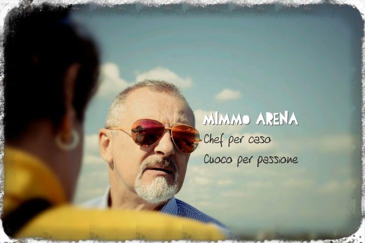 """È impossibilenon trovarsi a proprio agio con Mimmo, il titolare e genius loci de """"Il club del pesce azzurro"""" di San Vito Chietino..."""