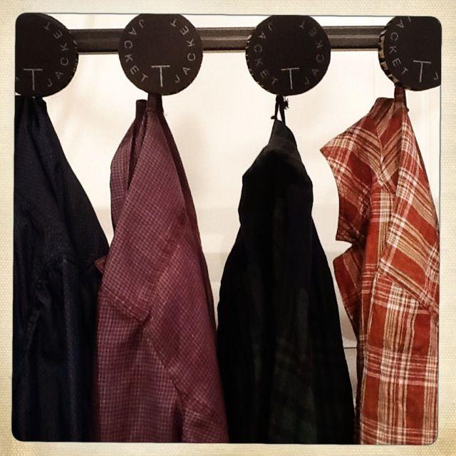 Un packaging originale, una giacca unica in tantissime varianti di colore. T-Jacket (Tonello)