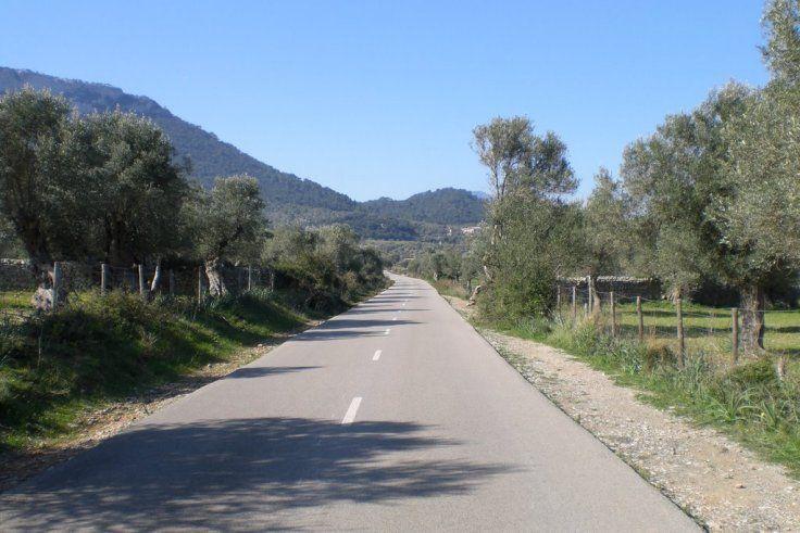 Mallorca's Most Famous Climbs: Col Ferrandell #mallorca #cycling #cyclingclimbs #travel #training #road #bikes #CyclingLocations #KeepRiding #KeepRidingCL