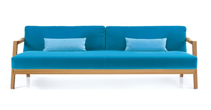 Plaza Sofa von #Oliver B.  ab 2 471,00 € https://www.woodyness.com/sofa/3751-plaza-sofa-von-oliver-b.html Qualität, Stil und Komfort in Kombination! PLAZA ist ein Sofa von Oliver B. mit Walnuss- oder Eichenholzgestell und mit dickem Sitz- und Rückenkissen. Die Farbe für den Baumwollbezug der Kissen ist zwischen vielen verschiedenen Farben wählbar. PLAZA sieht alleinstehend aber vorallem auch in Kombination mit dem Loungesessel ausgesprochen gut aus. Überzeugen Sie sich selbst…