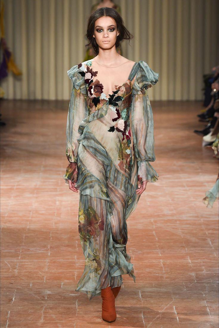 Alberta Ferretti F-W 2017-18 Fonte Vogue Italia