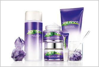 AVON Solutions Youth Minerals. Energiespendendes Gesichtswasser,  Regenerierende Nachtcreme,  Energiespendende Tagescreme LSF 20,  Regenerierende Augencreme LSF 20,  Energiespendende Reinigungscreme.