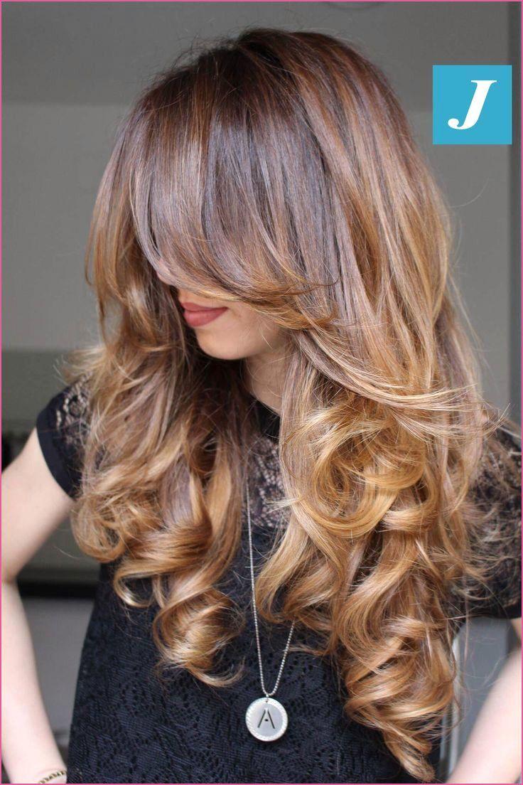 Stufenschnitt Halblange Haare In 2020 Halblange Haare Frisur Ideen Schulterlange Haare Frisuren