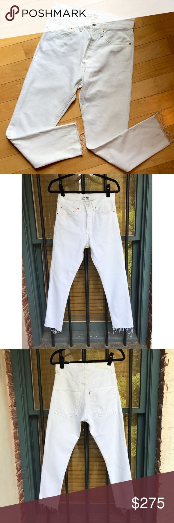 "NWOT Re/Done Levis High Rise Ankle Crop in White! NEW without tags Limited edition ReDone Levi's High waisted ankle Crop jeans in white out!!!!  you won't find these online because they were such a limited run. Perfectly rebuilt vintage Levis, for a vintage look and a modern fit. These retailed online for $325! Never been worn. Cropped and frayed (but finished) hem at the ankles.   Waist: 14"" Rise: 11"" Inseam: 26"" Outseam: 35.5""  These are literally PERFECTION and are designed to make your…"