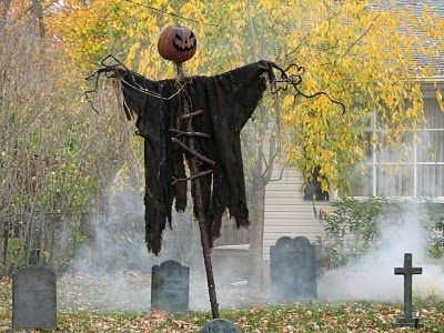 scarecrows - Halloween Scare Crow