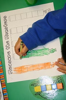 measuring monsters: Lee Kindergarten, Monsters United, Monsters Fun, Center Pictures, Cute Ideas, Math Ideas, Monsters Center, Weights Loss, Measuring Monsters