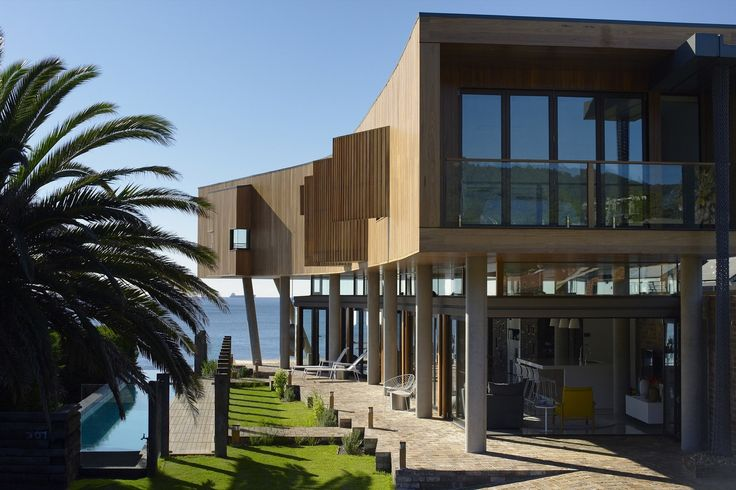 Lovely Australian architecture - Gallery of Austinmer Beach House / Alexander Symes Architect - 1