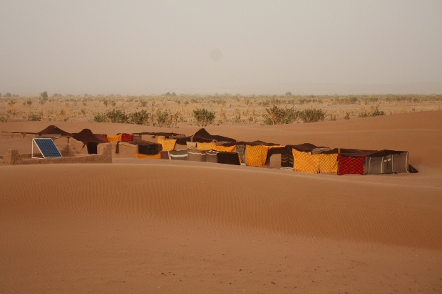 Desert camp in Morocco with Berber tented campsite. Enjoy the authenticity and live the this unique experience. This desert camp is in Marrakech desert.