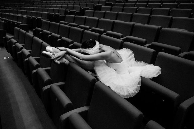 Projeto chama a atenção para a rotina puxada das bailarinas