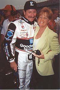 Dale w/DW's wife Stevie @ Daytona 2000