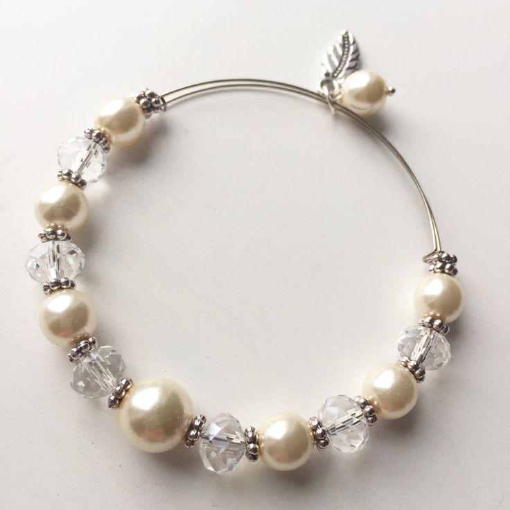 Aster Bracelet by MrsGillmore on Etsy https://www.etsy.com/listing/266672620/aster-bracelet