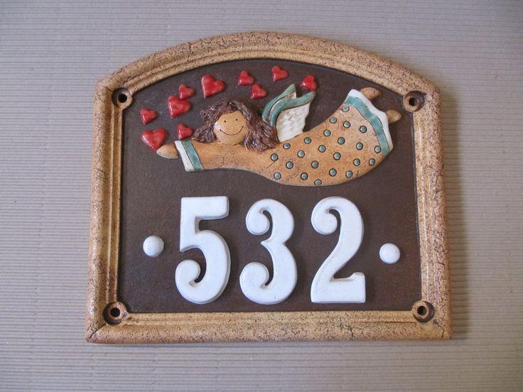 Domovní číslo Domovní číslo výška 33cm, šířka 37cm