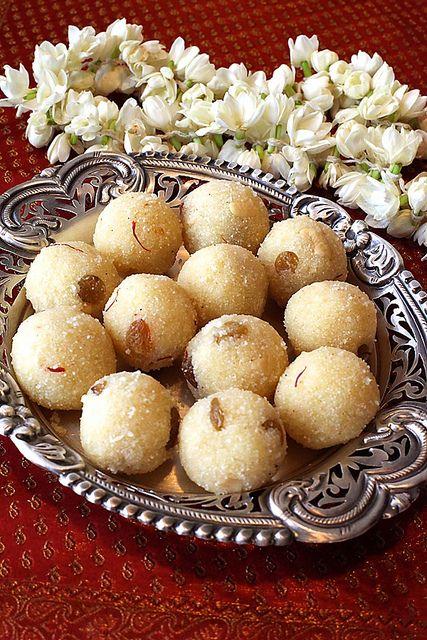 Rava Laddu/Semolina Balls With Saffron, Cashews, Raisins & Cardamom by Anushruti RK, via Flickr