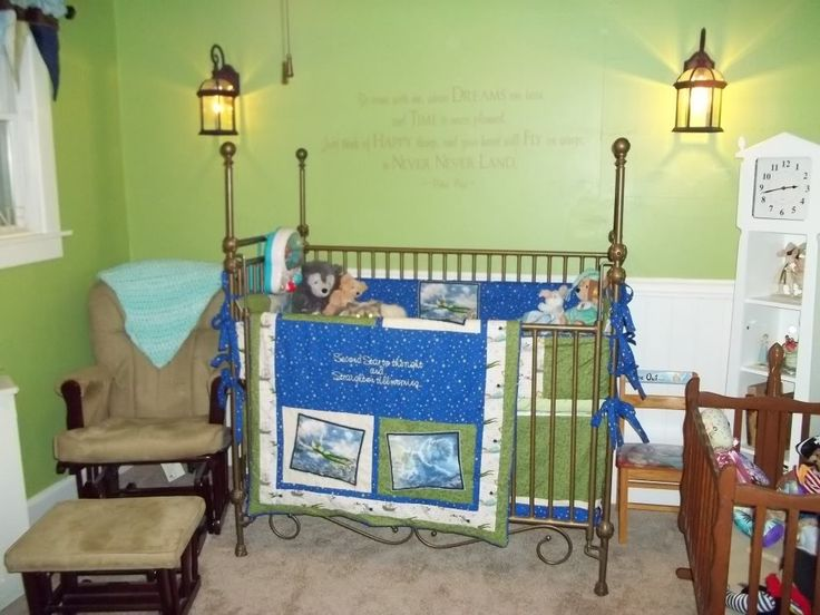 i like the color green and the lanterns keep in mind for peter pan room
