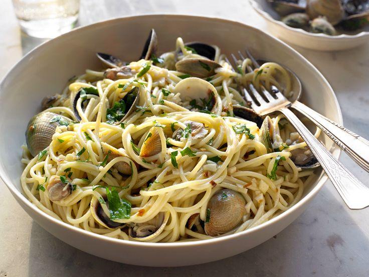 Receta de espaguetis con almejas fácil y rápida - Recetas Espaguetis