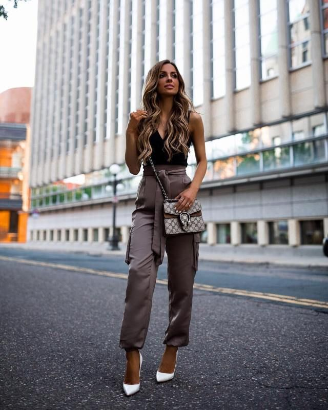 33f67c10af Image of  miamiamine wearing joggers from  revolve - Magical Fall Outfits You  Should Already Own