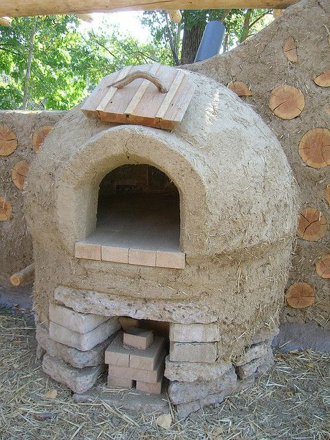 Oh how I would love an outside oven like this for summer cooking <3
