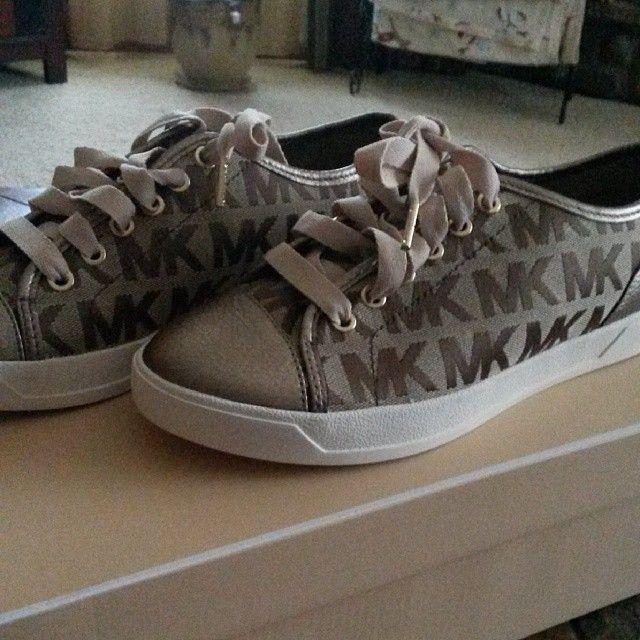 MK Sneakers<3