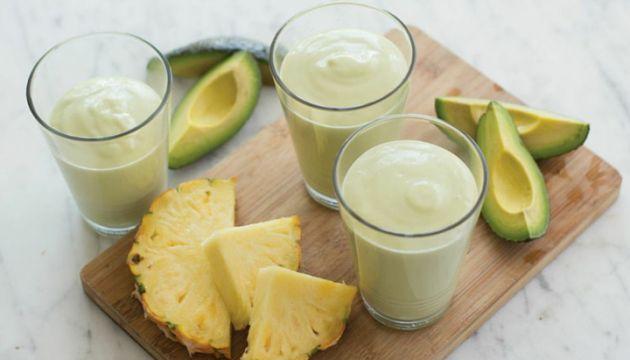 Bethenny Frankel's Avocado Pineapple Smoothie Recipe