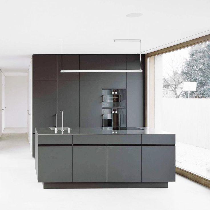 """Polubienia: 60, komentarze: 23 – Iga - Mama Dwóch Żona Jednego (@ku.kumo) na Instagramie: """"Przepadłam 🖤 #kitchen #kitchendesign #kitcheninspo #inspiration #interior123 #black #perfect ✨"""""""