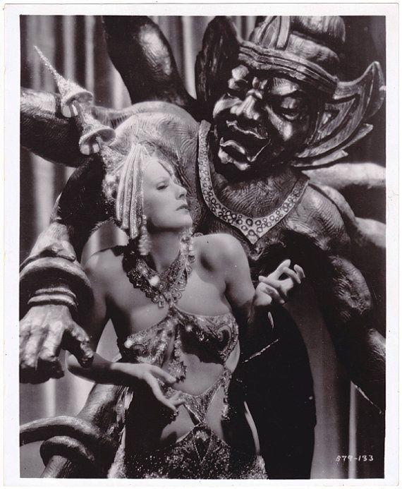 photo of the 1931 film Mata Hari starring Greta Garbo