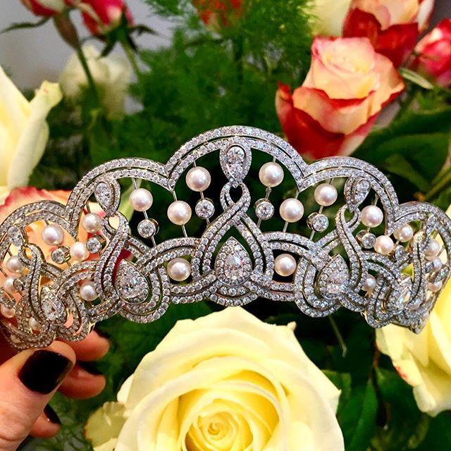 The fluid form of this Garrard tiara sings of enduring elegance. Tell us where would you wear it? @houseofgarrard #jewellery #tiara #pearl #diamond #flowers #Garrard #jewelry #design #royal