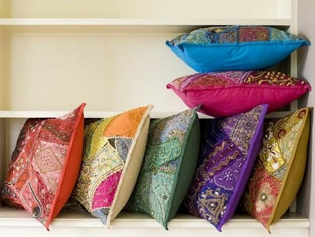 These cushions would really brighten up the home.  Do you like them?
