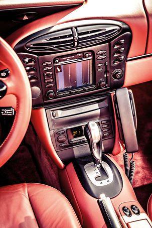 Porsche Boxster 2.7, Mittelkonsole
