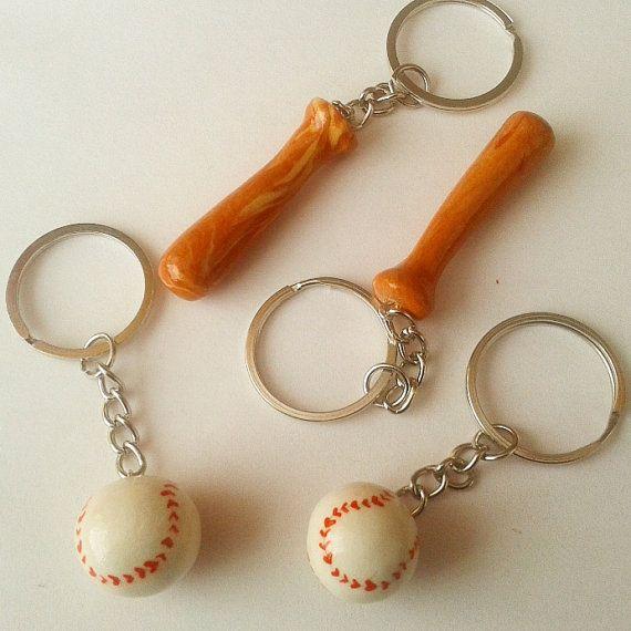 Bate de béisbol y balón llaveros pareja. El precio es de 2 llaveros de bola y palo. mejores amigos de arcilla de polímero amigos amor feliz regalo de BFF