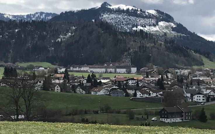 """Via Jacobi : Le Chemin de St-Jacques de Compostelle Suisse. """"L'Abbaye de Einsiedeln""""."""