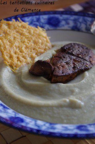 Velouté d'artichauts, foie gras poêlé et tuile de parmesan